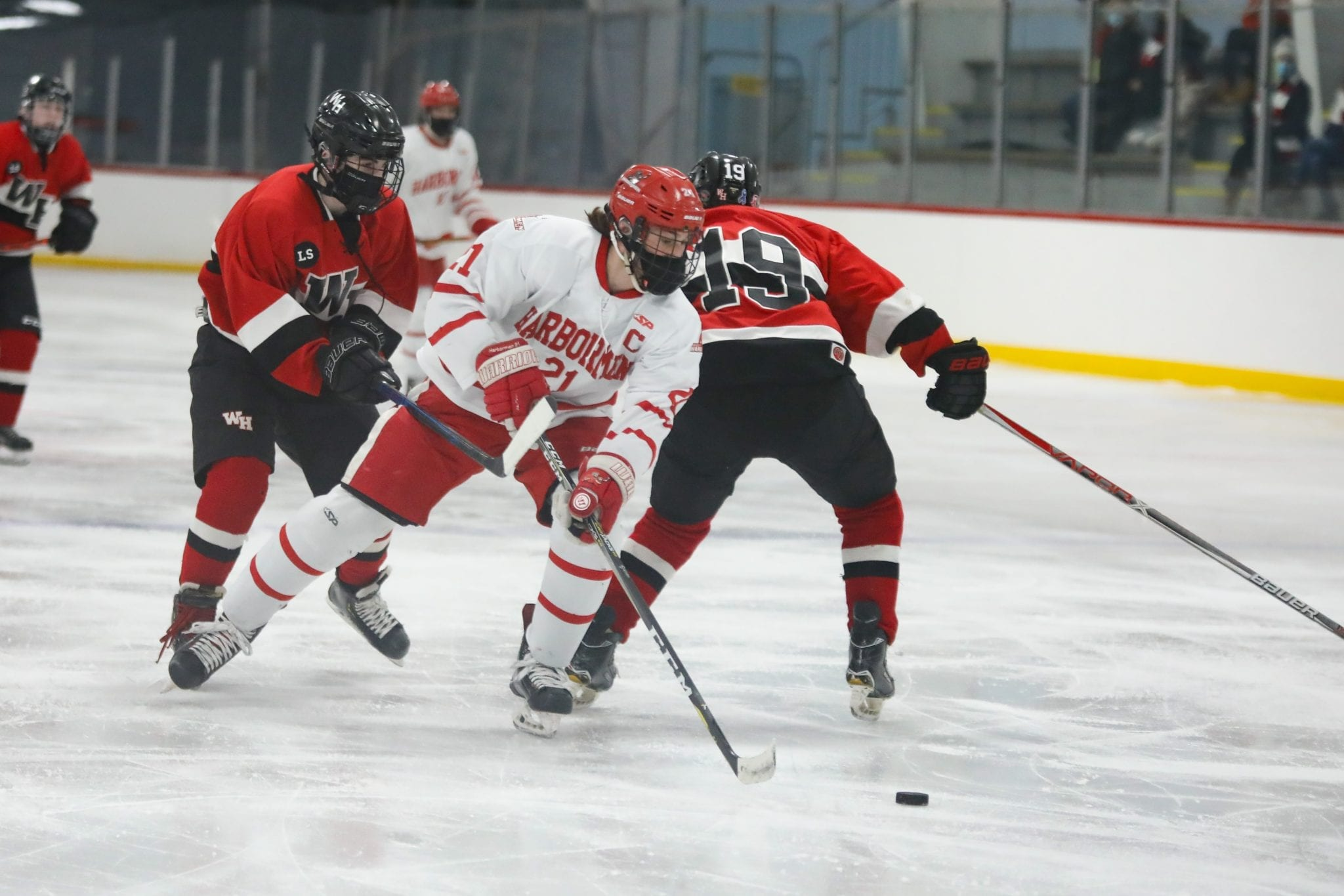 Senior captain Paul Forbes continues to show his leaderhship on the ice with his play.  Scoring less than a minute into the WH game set the tone for the next two games.