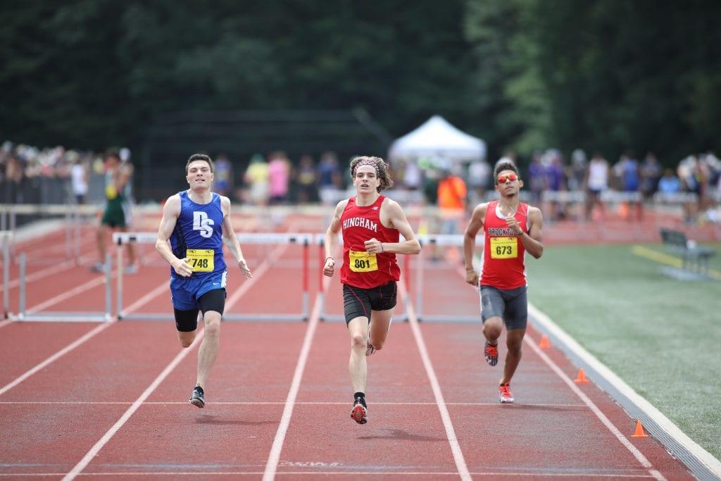 Junior Tom Shetzline in the 400m hurdles